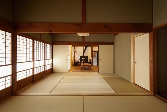 二間続きの和室はリビングとつなげて活用しやすく改修