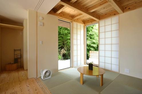 4.5畳の和室。 外の青竹が清々しさを感じさせてくれます。