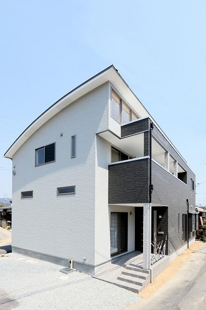株式会社掛谷建設『R屋根の家』