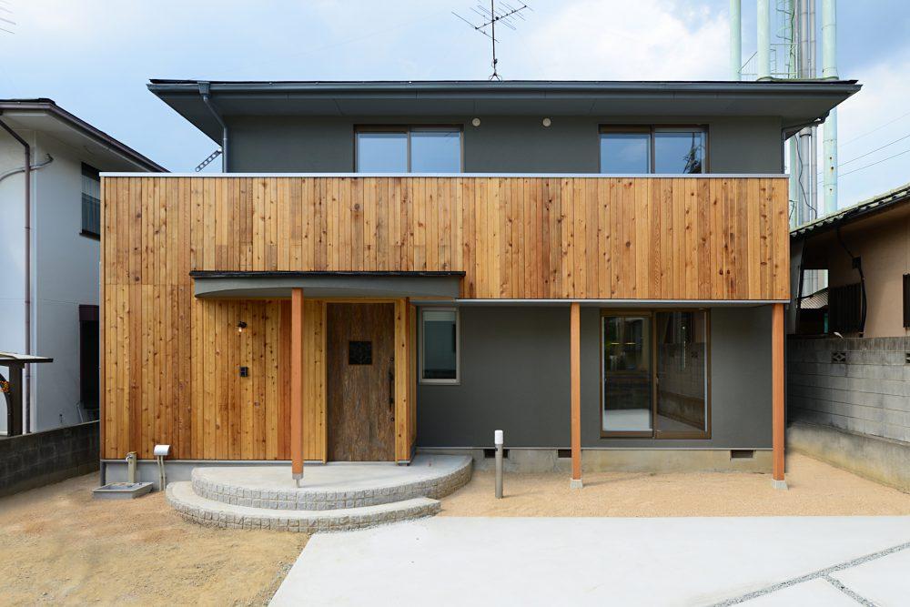株式会社北屋建設『時とともに美しく深みを増す、二世帯が暮らすヴィンテージハウス』