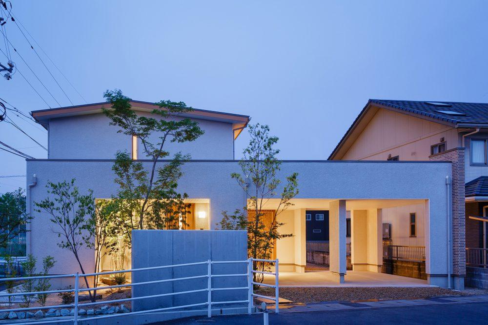 株式会社近藤建設興業『車寄せのある津島京町の家』