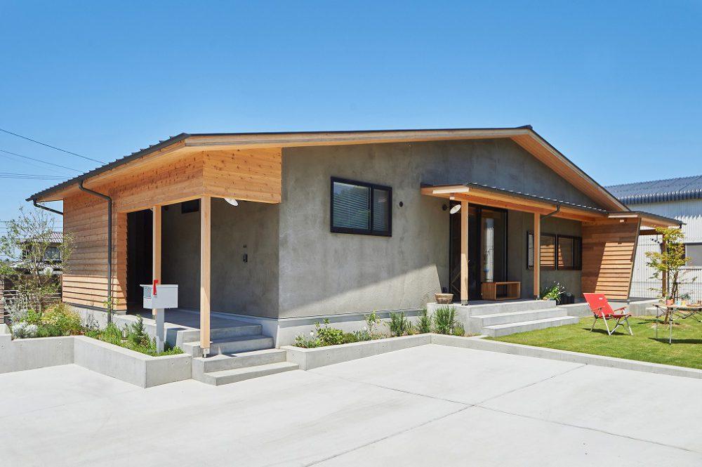 有限会社川西工務店『平屋の「モルタルハウス」』