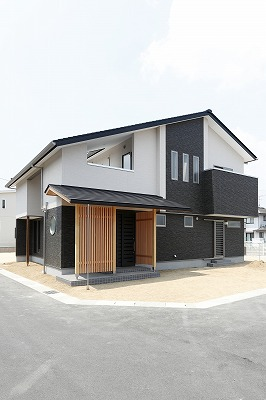 株式会社掛谷建設『空と住む家』