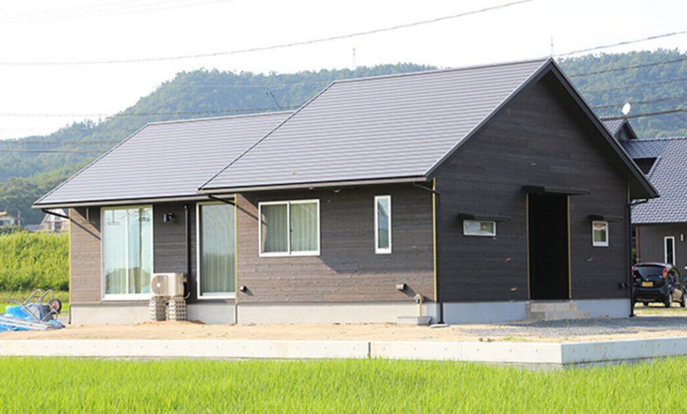 おかやま住宅工房『田園の緑に溶け込むセンスあふれる平屋な暮らし』