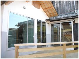 断熱効果抜群のトリプルガラスを使用しているので、部屋毎の温度差が大幅に軽減されます。